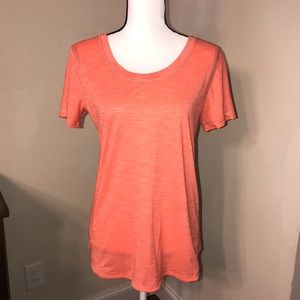 Lululemon Top color coral/orange